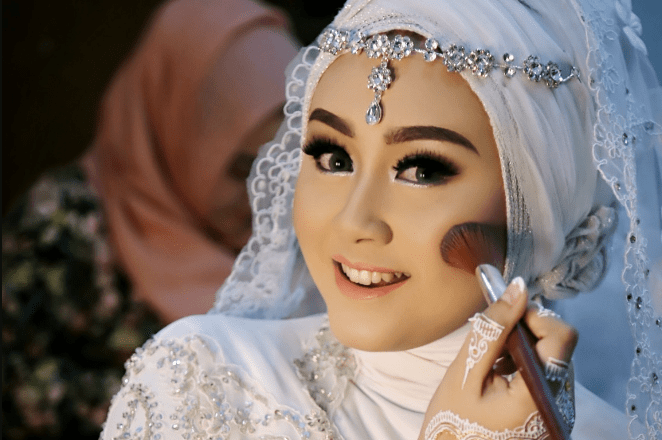 Make Up dan Rias Pernikahan