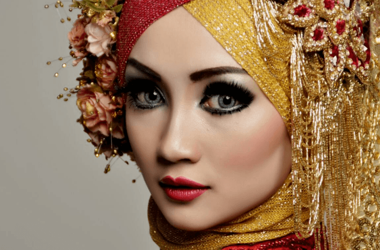 Make Up dan Rias Pengantin Profesional